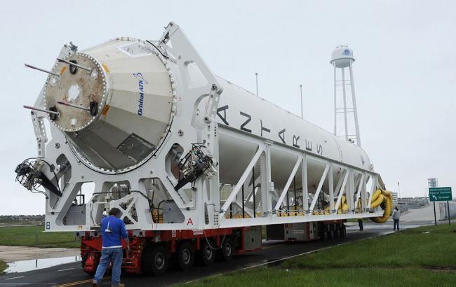 Фото: Ракетоносій Antares OA-5 (americaspace.com)