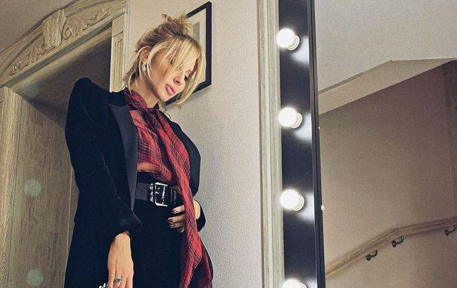 Краса неземна: Світлана Лобода підкорила фанатів луком в шкіряних ботфортах на високих підборах