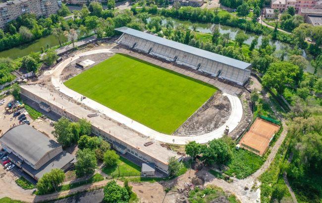 В Кривом Роге продолжается реконструкция стадиона, в ОГА рассказали о ходе работ