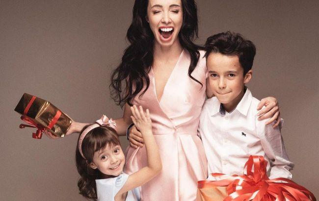 Восхитительные: Катерина Кухар умилила фанатов яркими снимками с мужем и детьми