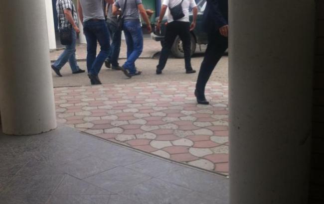 Фото: у Сімферополі затримали журналіста