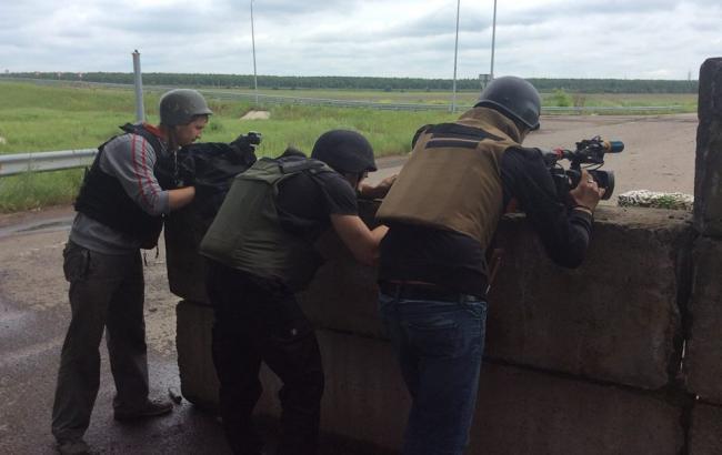 """Фото: в районі шахти """"Бутівка"""" йде постійна стрілянина"""