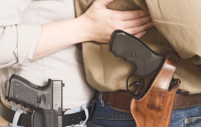 Фото: в Техасе студентам позволили носить оружие