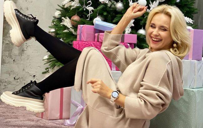 Божественно: Лилия Ребрик и Андрей Дикий покорили фанатов страстным танцем возле елки