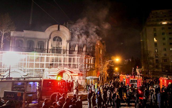 Фото: напад на посольство Саудівської Аравії в Тегерані