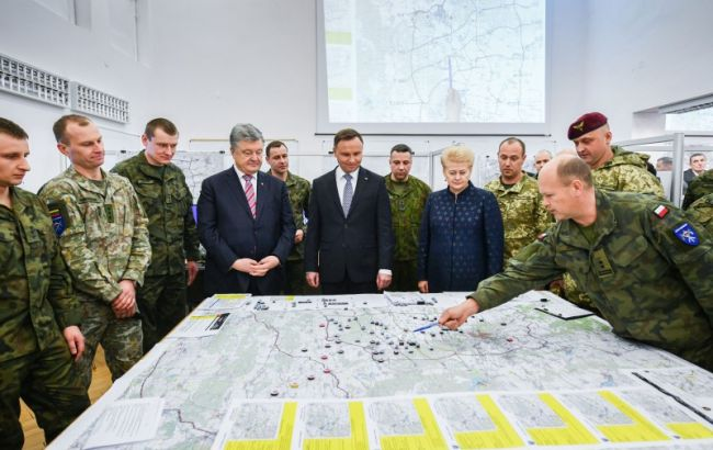 Партнеры Украины заинтересованы в создании многонациональных военных подразделений, - Порошенко