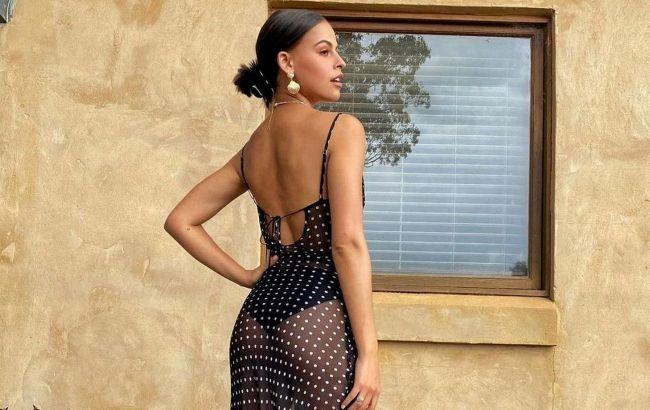 Вічна класика: стиліст показала принт на сукні, який ніколи не виходить з моди