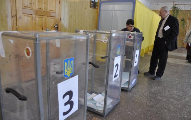 В Черновцах избили главу одной из избирательных комиссий