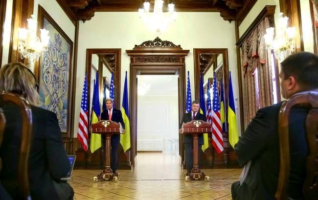 Фото: в Киеве состоялась встреча Джона Керри и Петра Порошенко