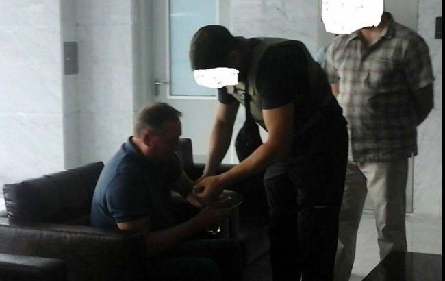 Фото: момент затримання Єфремова