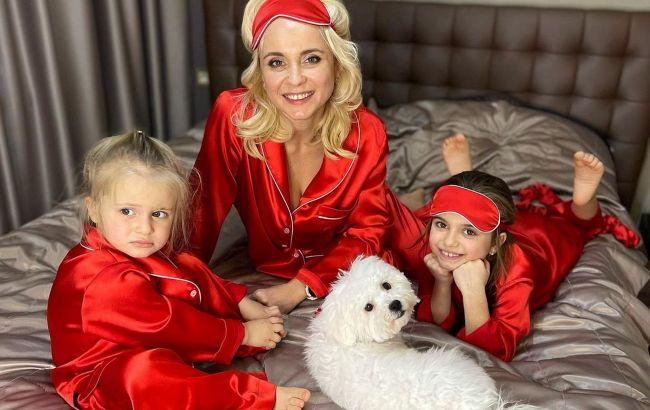 Какие милые крошки: Лилия Ребрик покорила сеть снимками с дочками в стильных пижамах