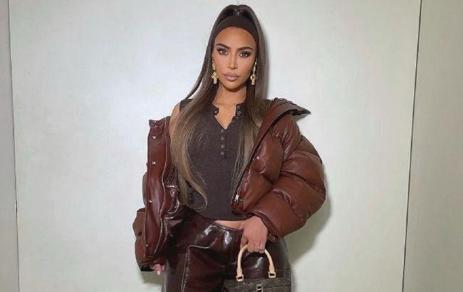 Вона ідеальна: Кім Кардашьян в модному образі блиснула ідеальною фігурою