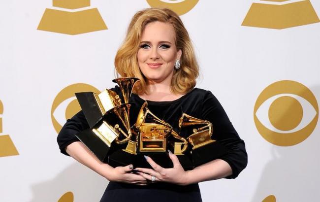 """Адель отказалась принимать """"Грэмми"""" за лучший альбом"""