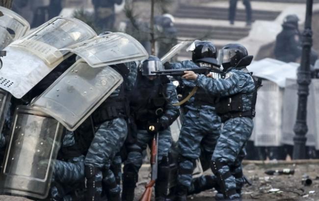 """Фото: на заседании по делу экс-""""беркутовцев"""" суд допросил двоих пострадавших активистов Евромайдана"""