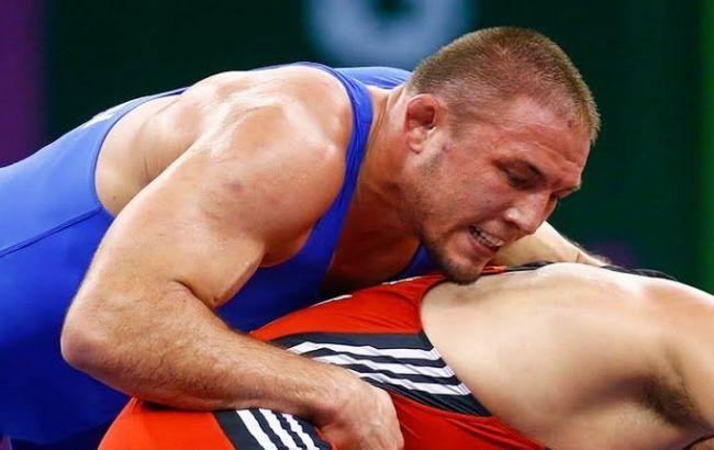 Фото: Валерий Андрийцев в схватке с россиянином