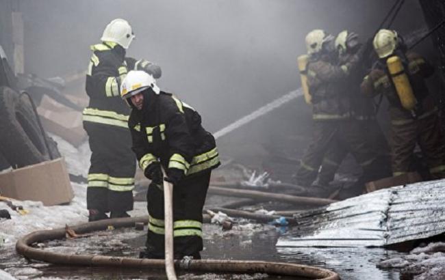 Фото: пожар на сладе в Москве