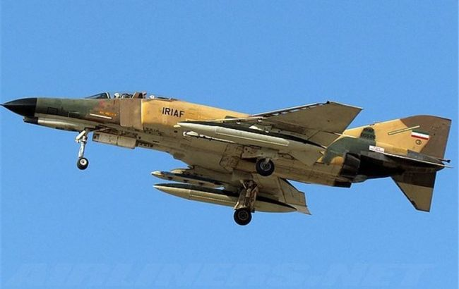 В Ірані розбився військовий літак, загинули дві людини