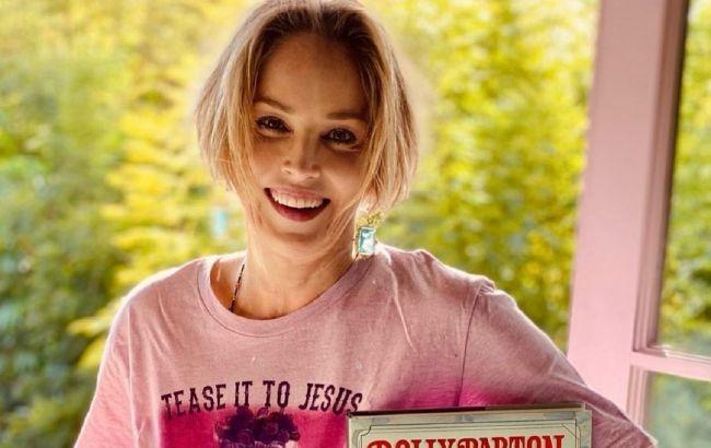 Вічна краса: 62-річна Шерон Стоун захопила молодим зовнішнім виглядом