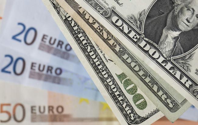 Курс долара на міжбанку в 11:00 виріс до 26,10 гривень