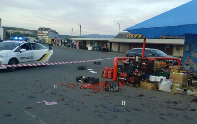 Фото: на Мукачівському ринку сталася сутичка