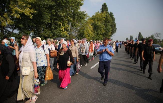 Фото: хресна хода наближається до Києва