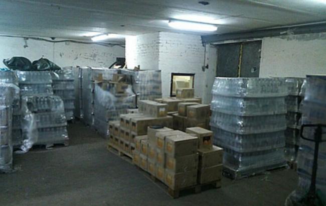 Фото: в Днепропетровской обл. изъяли фальсифицированный алкоголь