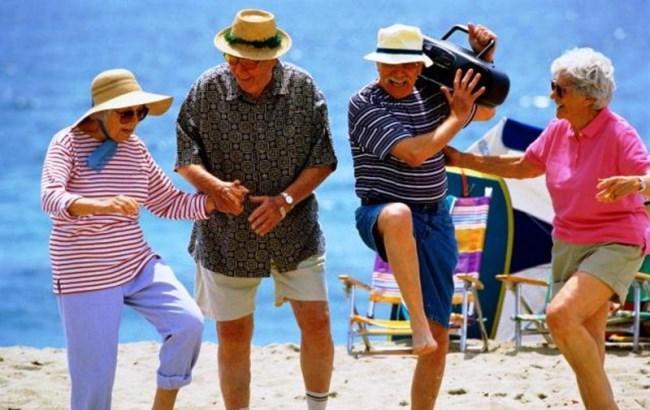 Пенсіонерка з США показала, як треба танцювати