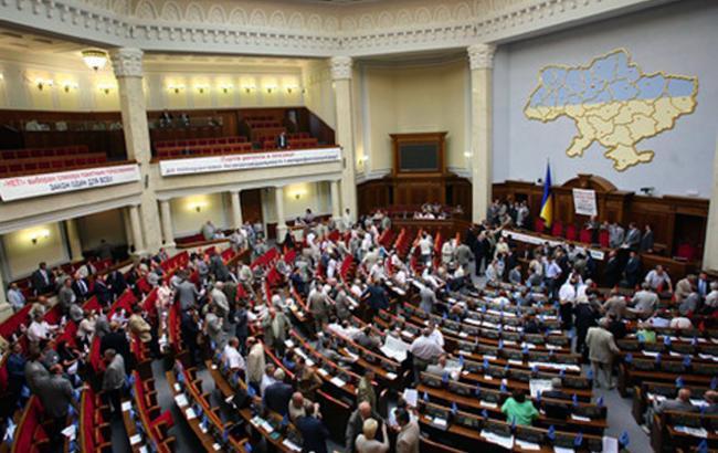 Парламент прийняв закон щодо автошляхів оборонного значення