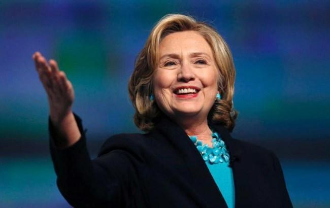 Хиллари Клинтон издаст сборник эссе, посвященный ее участию в президентской гонке