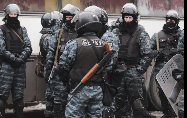 Фото: экс-беркутовец остался под ночным домашним арестом