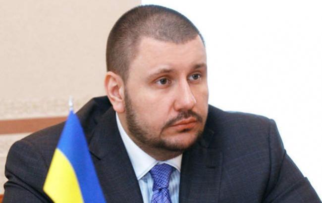 Беглому экс-министру Януковича назначили бесплатного юриста