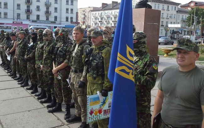 В зоні АТО на міні підірвалася БМП батальйону ОУН, поранений замкомбата