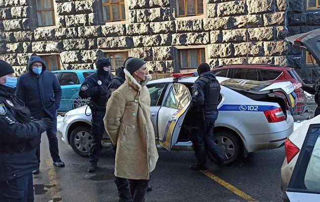 Задержание вооруженного мужчины возле Рады: полиция открыла дело