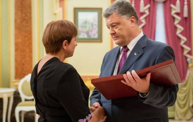 Фото: Петро Порошенко і Ніна Брановицька (Facebook)