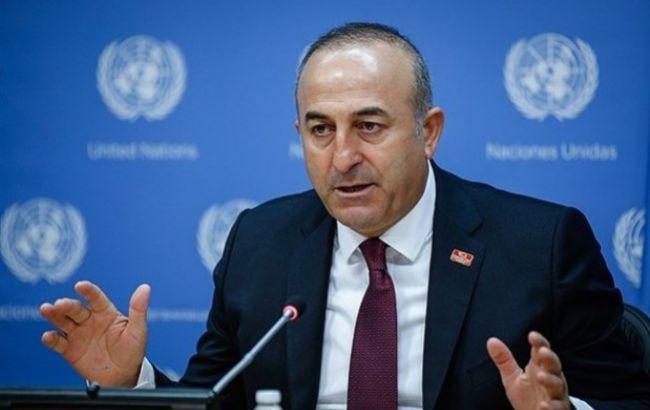 Глава МИД Турции осудил действия России в Украине и Крыму