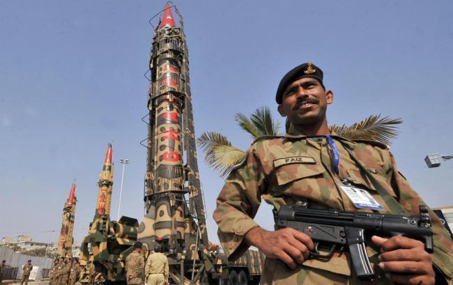 В Пакистані в результаті нападу на військову базу загинуло 29 осіб