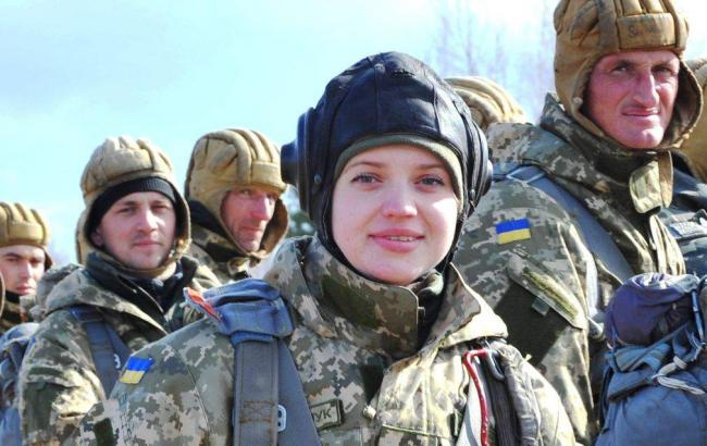 Фото: Міноборони дозволило жінкам служити в бойових підрозділах ЗСУ