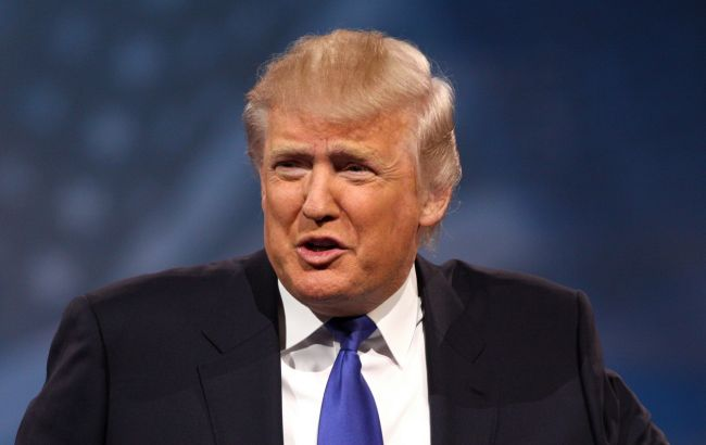 Дональд Трамп объявил, что говорить оботмене санкций против Российской Федерации еще рано