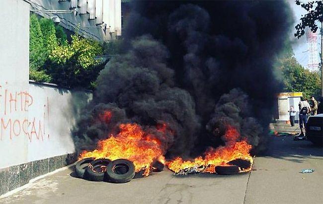 """""""Інтер"""" після пожежі: що стоїть за нападом на телеканал"""