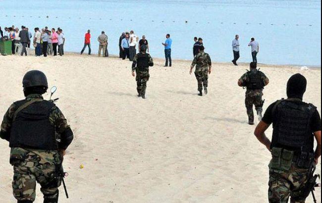 Туристов в Тунисе будут охранять вооруженные полицейские