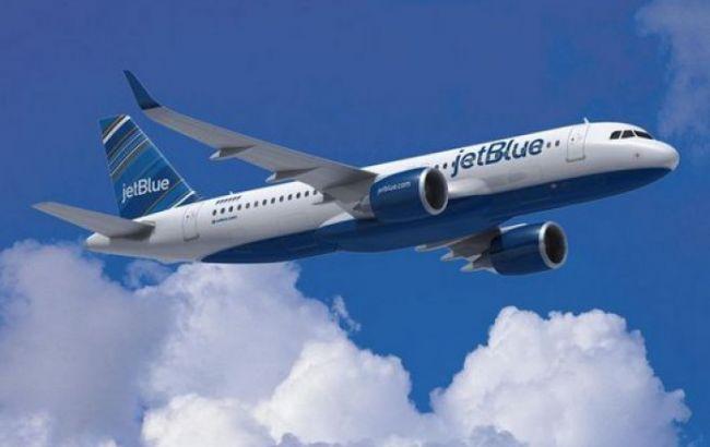 При посадке в аэропорту Багам у пассажирского самолета отказало шасси