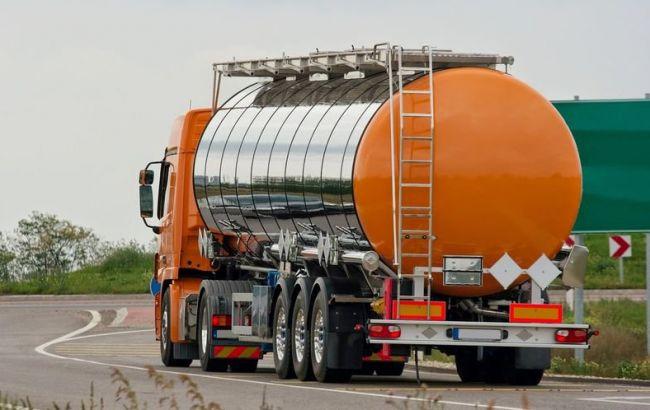 Фото: затверджено перелік маршрутів для перевезень небезпечних вантажів без погодження з поліцією