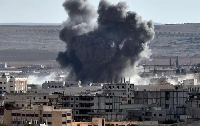 Фото: авіаудар по Сирії
