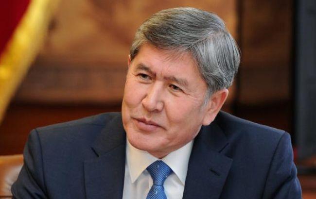Фото: Алмазбек Атамбаєв відновлює здоров'я в турецькому Ізмірі