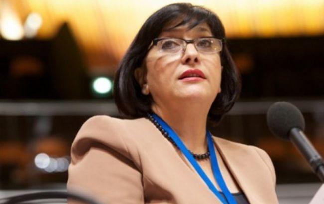 Фото: докладчик по вопросу о насилии в отношении женщин Сахиба Гафарова