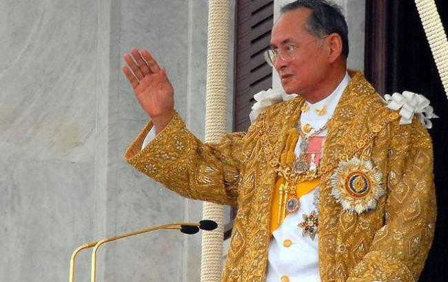 Фото: король Таїланду Пхуміпон Адульядет