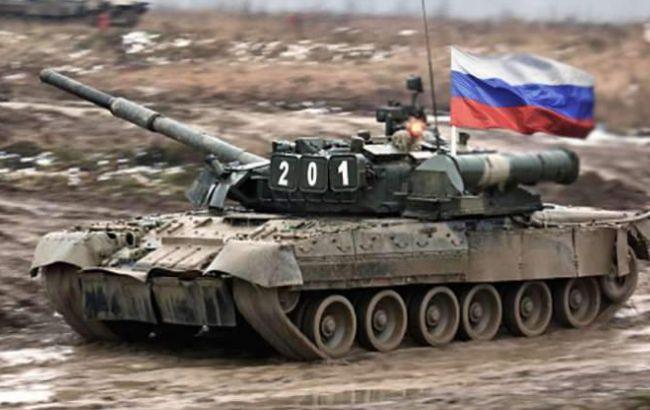 Фото: на Донбасі понад 700 російських танків