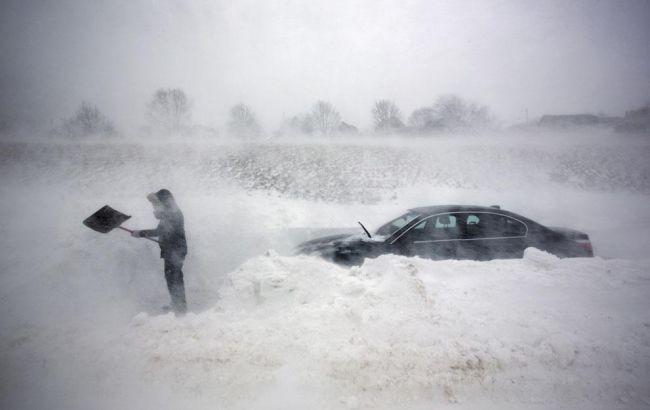 Фото: из-за непогоды в Украине в Одесской области запретили движение транспорта