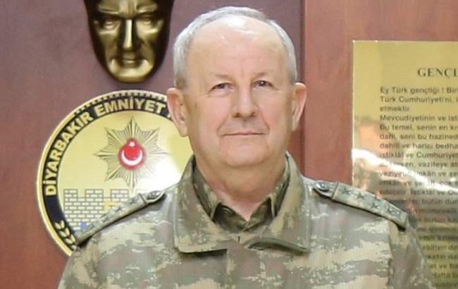 Фото: задержанный генерал Адем Худути