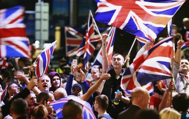 Британія не буде починати процедуру виходу з ЄС в 2016